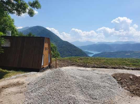 Des toilettes sèches sur le chemin de la Combe